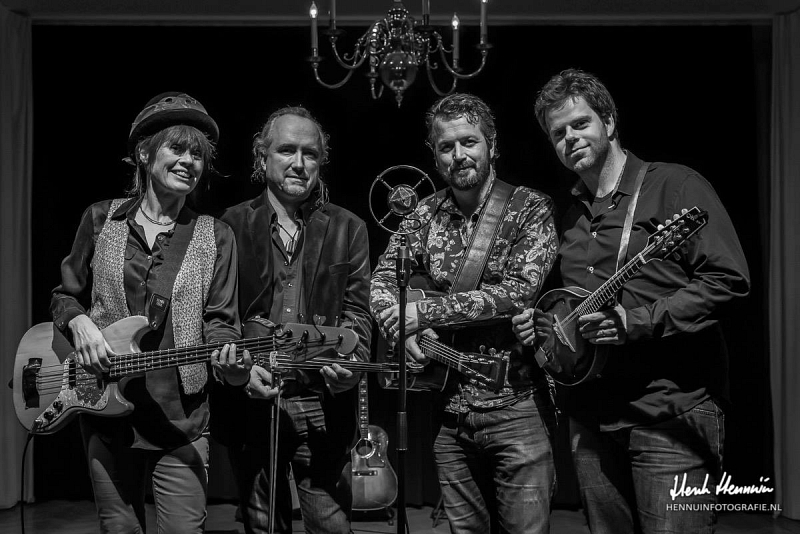 Acoustic Alley presenteert: Steam Power